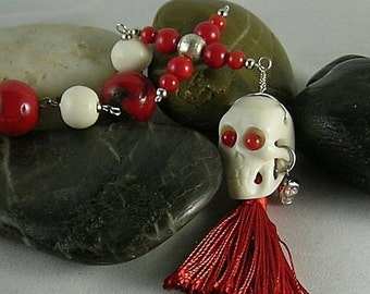 Red Coral Credo Cross and Bone Pirate Skull Paternoster - Memento Mori