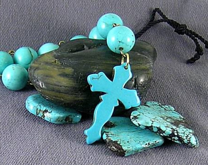 New World Turquoise Paternoster Tenner with Magnesite Cross