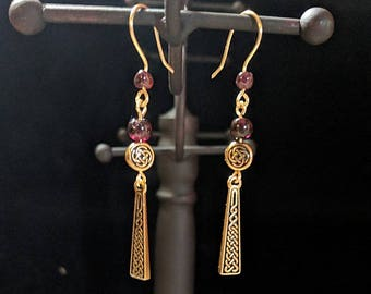 Celtic knotwork Dangle Earrings - Garnet - St. Patrick's Day - Irish