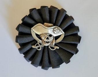 Pirate Skull and Crossed Swords on Pleated Cockade - Memento Mori
