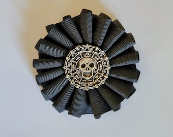 Pieces of Eight Pirate Coin Skull and Crossbones Cockade - Pirate - Memento Mori