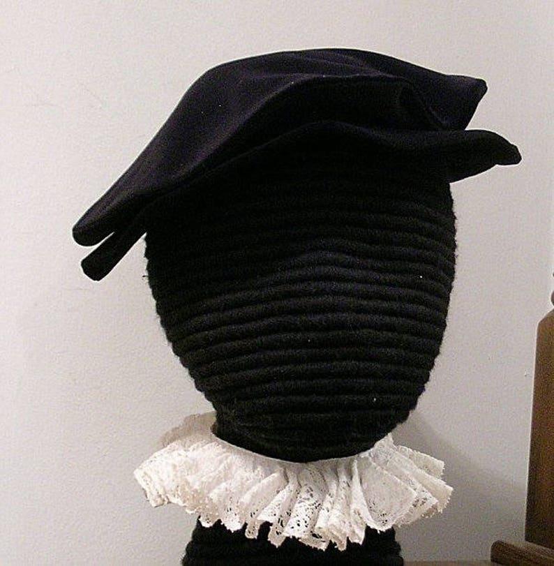 2da660d3e1e7f Velveteen Tudor Flat Hat Elizabethan Flat Cap Renaissance