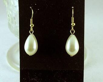 Teardrop Cream Pearl Earrings