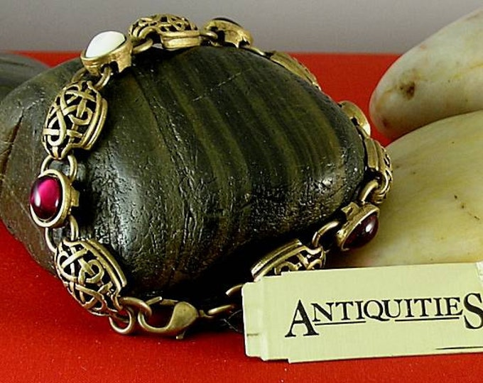 Bracelet Mother of Pearl Garnet - Elizabethan Renaissance - Victorian