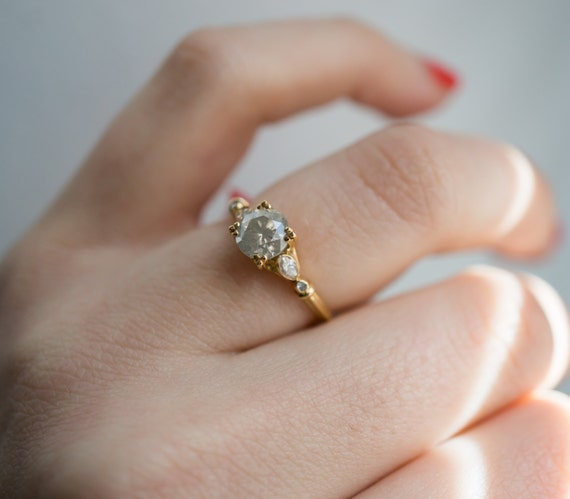 Anillos de diamante reciclado