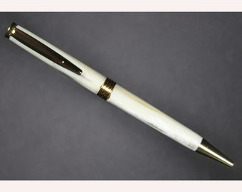 Pen with Buffalo Horn Barrels and Gold Fittings