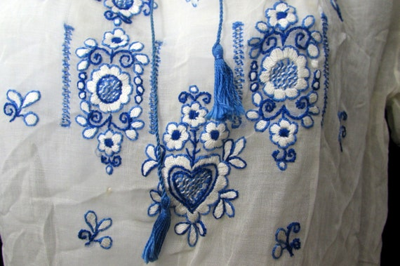 vintage 30s hungarian HEARTS hand embroidered pea… - image 8