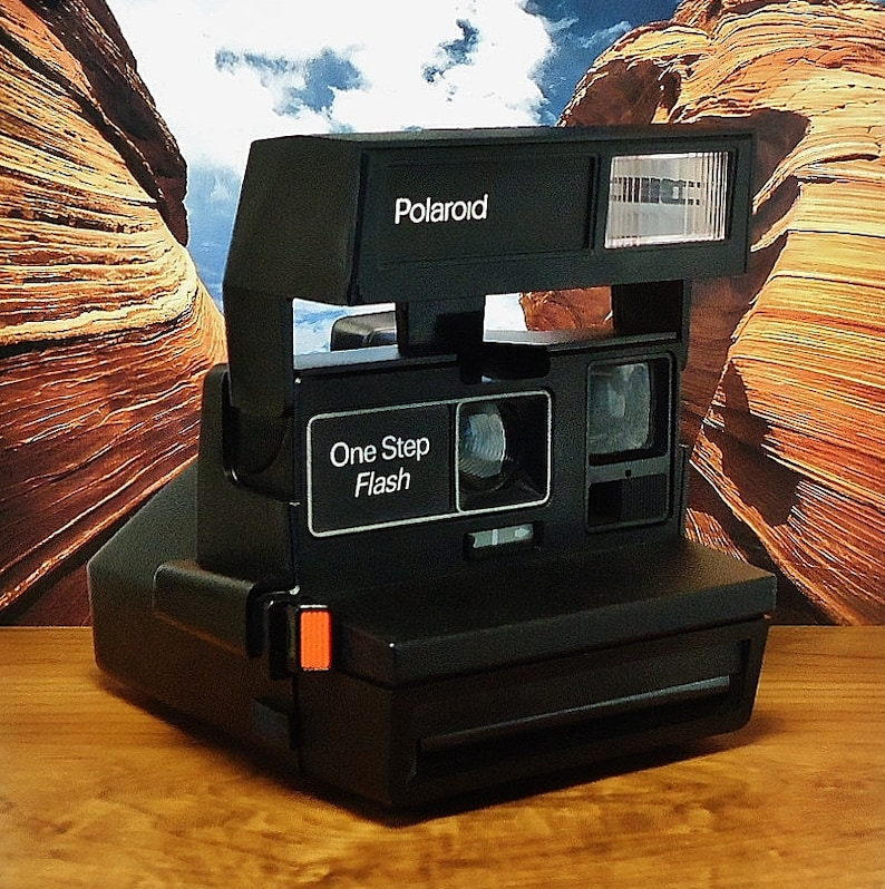 Vintage POLAROID 600 OneStep Flash Instant Print Film Camera, Circa:  1980's, EXTREMELY CLEAN!