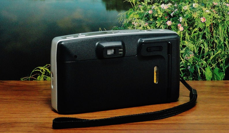 Vintage PANASONIC AUTOFOCUS ZOOM C-D3100ZM 35mm Point and Shoot Film Camera Circa: 1999 Fantastic! 38~105mm Zoom Lens Quiet Operation