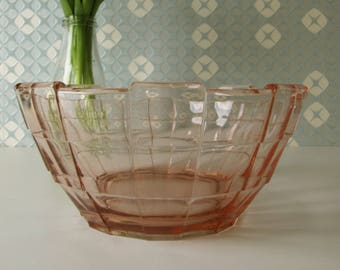 Vintage Pink Glass Round Bowl or Scale 18011