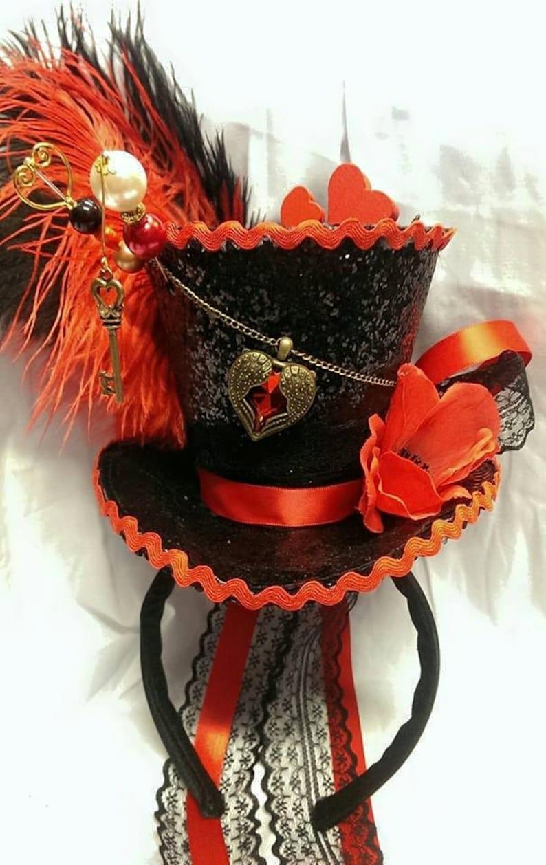 Queen of Hearts Alice in Wonderland Valentines Mini Top Hat  20d694341666