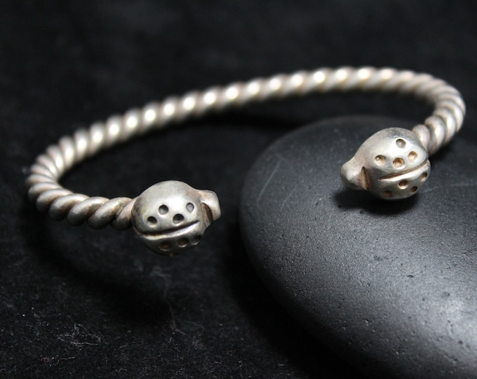 Sterling Silver Twisted Cuff Bracelet with Ladybug Design, Silver Twisted 925 Mexico Cuff Bangle with Ladybugs, Vintage Silver Ladybug Cuff