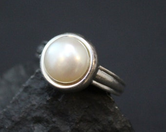 Sterling Silver Modern Pearl Gemstone Ring