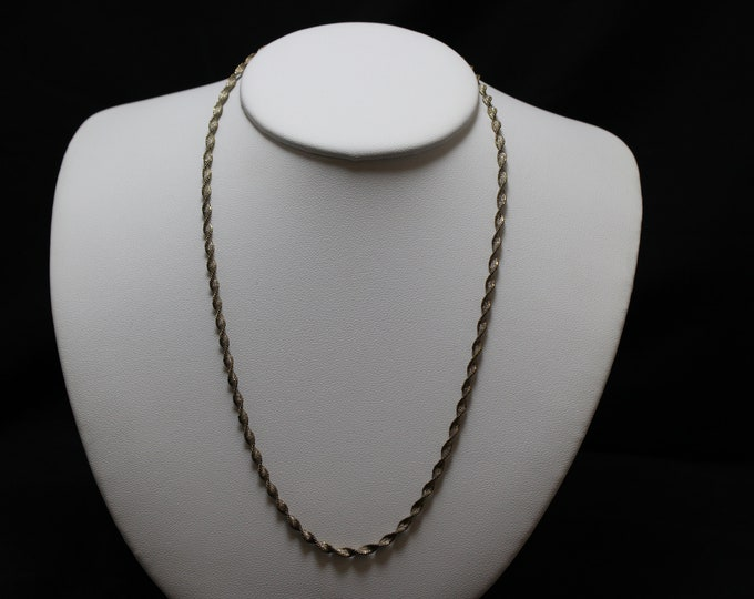 "18"" Sterling Silver Sparkling Twisted Chain"