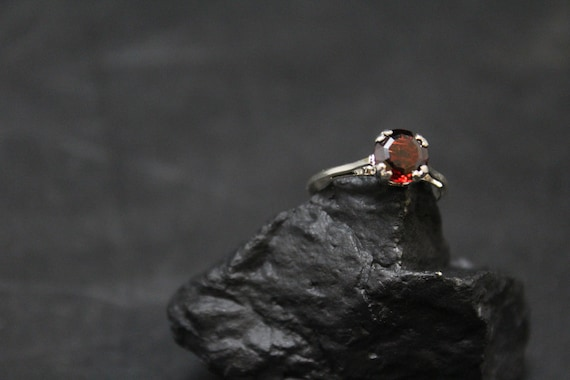 Sterling Silver Simple Garnet Ring