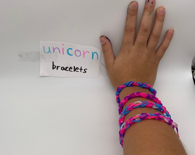 Rubber band link bracelet. Colorful fun springy stretchy bracelet.