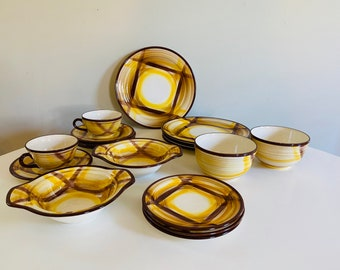 Set of Four Bread or Small Dessert Plates Vernonware Organdie Hand-Painted California Brown and Yellow Plaid Pattern Pottery
