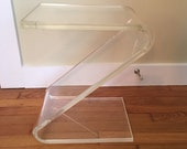 Vintage Clear Lucite Z Shape End Table, Clear Side Table, Mid Century Modern Acrylic Table, Modern End Table, Accent Table, Clear Z Table