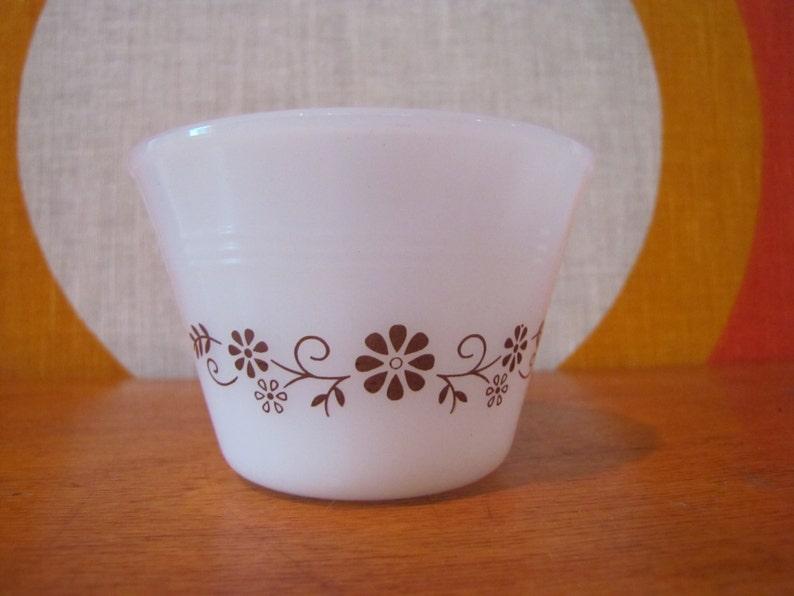 Dynaware Casserole Dish /& Set of 8 Custard Cups  Ramekins Brown Floral Pattern White Milk Glass Set Retro Kitchenware PYR-O-REY 9 Pc