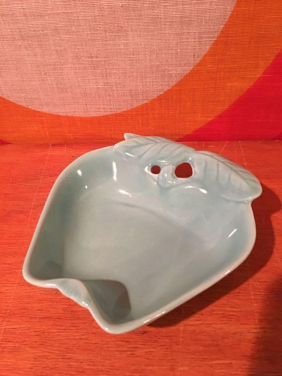 Vintage Chip N Dip Hoenig of California 734 Pottery