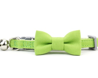 Grass Green Cat Bow Tie Collar Solid Color Wedding Cat Bowtie Collar with Breakaway Buckle and Bell