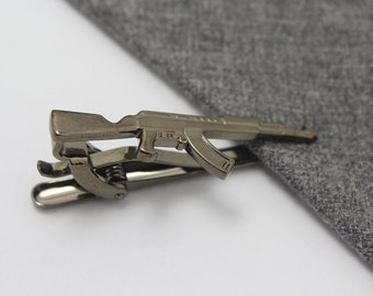 Silver Toned Etched Oval Left Facing AK47 Rifle Tie Clip