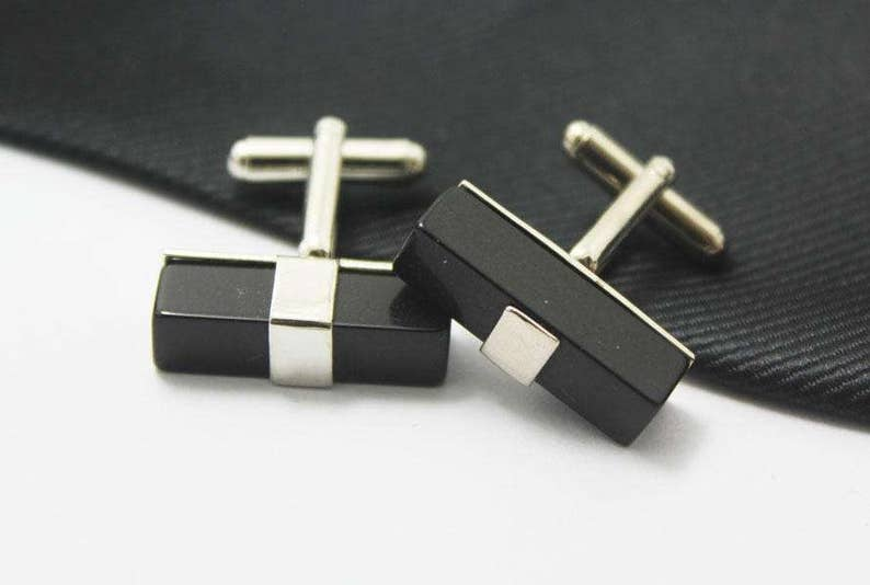 Black jelly  cuff Links Gift For Man Novelty Accessories Hero Accessories Personality cufflinks Sliver Accessories