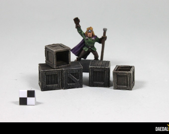 Accessories: Dungeons and Dragons game cases, warhammer, heroquest, pathfinder