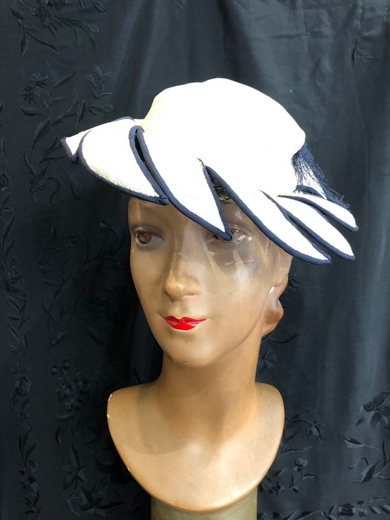 30's white and navy straw and grosgrain hat