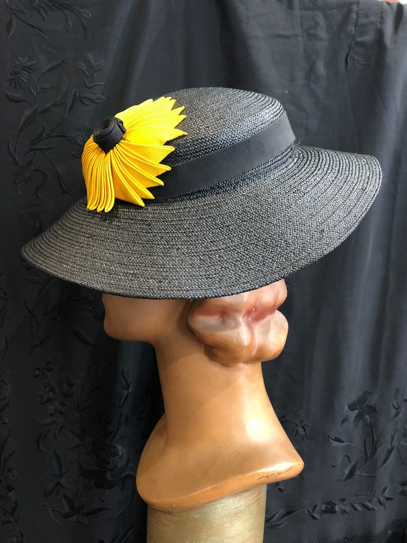 26822b44e989e 30 s straw hat with black and yellow flowers