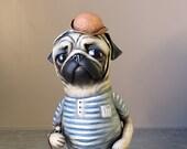 Retro beach collection, Pug on vacation