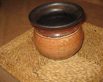 Warm burnt sienna and black medium-sized Pot