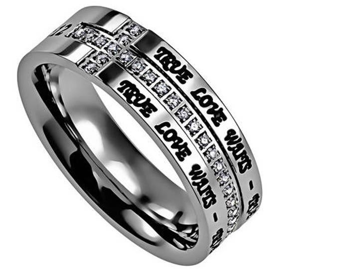 "Crescent Ring ""True Love Waits"""