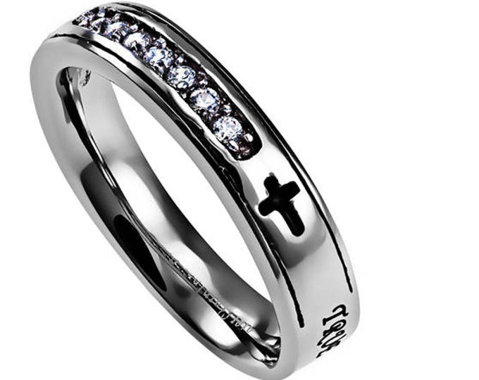 "Sovereign Ring ""True Love Waits"""