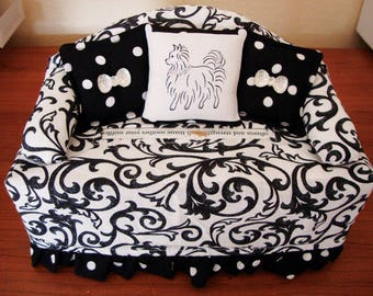 Handmade Tissue Cover, Adorable Chihuahua, Black & White, Parisan Themed, Kleenex Box Cover, Great Gift!