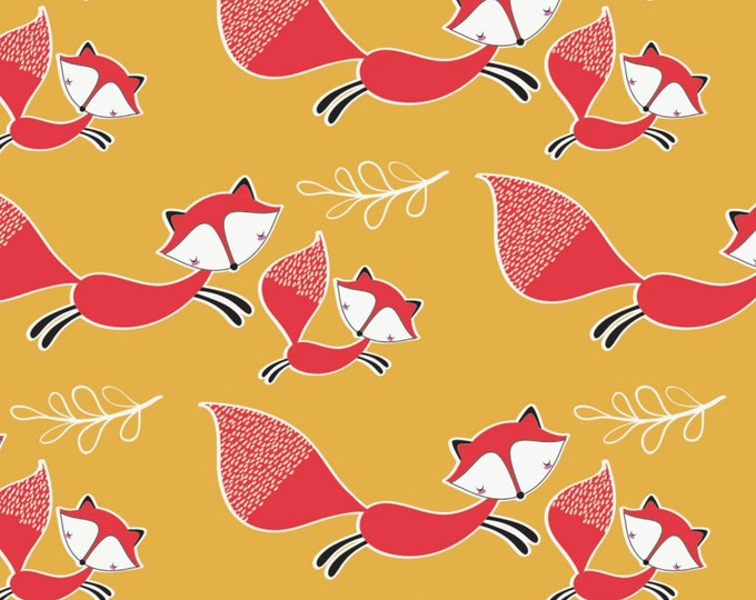 Camelot - Mama & Me - Foxes in Light Mustard - Cotton Woven Fabric - FAT QUARTER