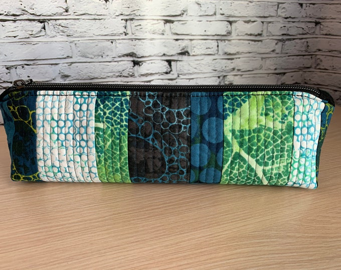 Zipper Pouch - Pencil Pouch - Makeup Case - Quilted Pouch - Pencil Case - Handmade Zippered Bag - Quilted Bag - Ladies Toiletry Case