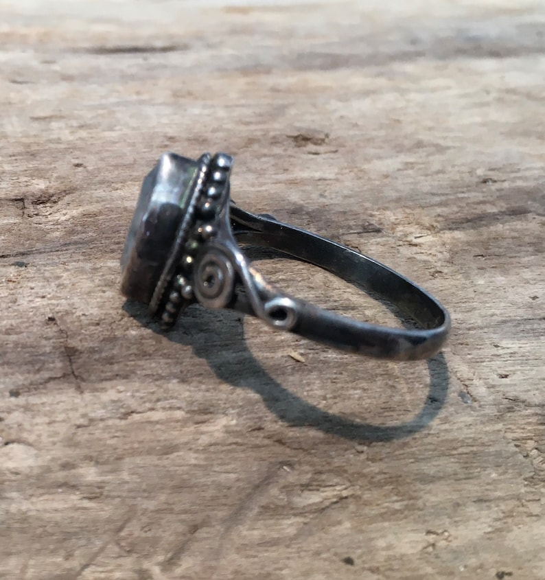 Sterling Silver Gypsy...Hippie...Birthstone...Vintage Shop Vintage Ring Size 6Moonstone Ring