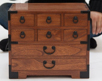 Japanese style jewelry box, hand made with solid kiri wood. (KB22)