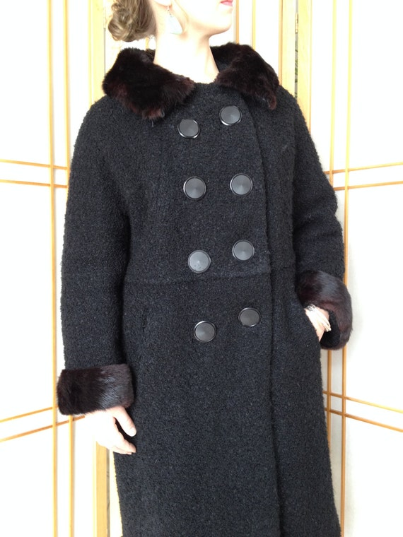 Black Dress Coat  / Wool  / Petite  / Boucle  / Mi
