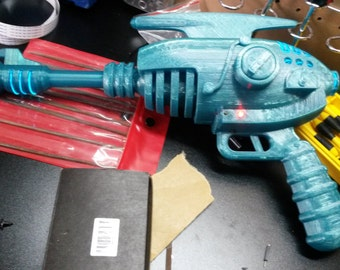 3D Printed Alien Blaster Replica Pistol w/ El Wire Kit
