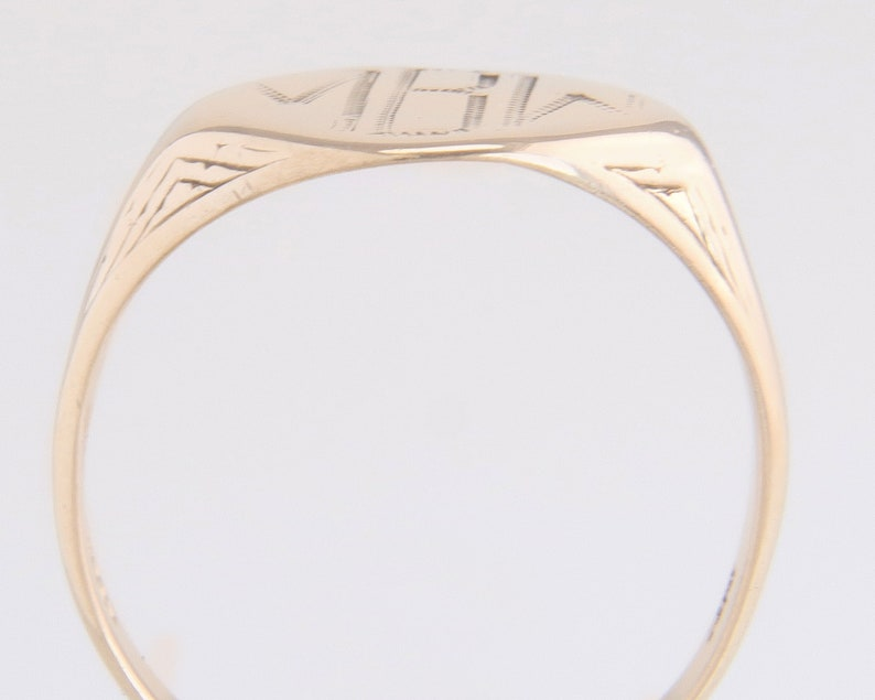 Antique MBW Esemco 10k Yellow Gold High Polish Initial Inscribed Signet Ring