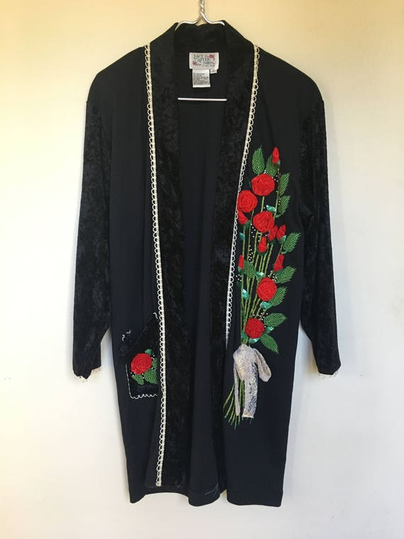 Vintge Lacy Afternoon Duster / 1990's / Rosette /