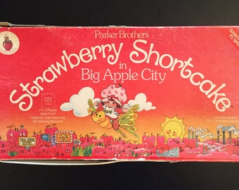 Sweet Vintage Strawberry Shortcake Board Game **With Damages**