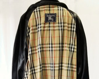 50a03700b Vintage Authentic Burberry trenchcoat 42