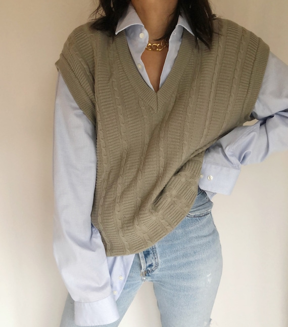 Vintage 90's wool cable knit sweater vest M