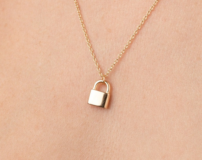 Padlock Necklace Gold, Lock Necklace Gold Filled, Small Lock Necklace, Best Friend Necklace,Dainty Gold Lock Necklace,Gold Layering Necklace