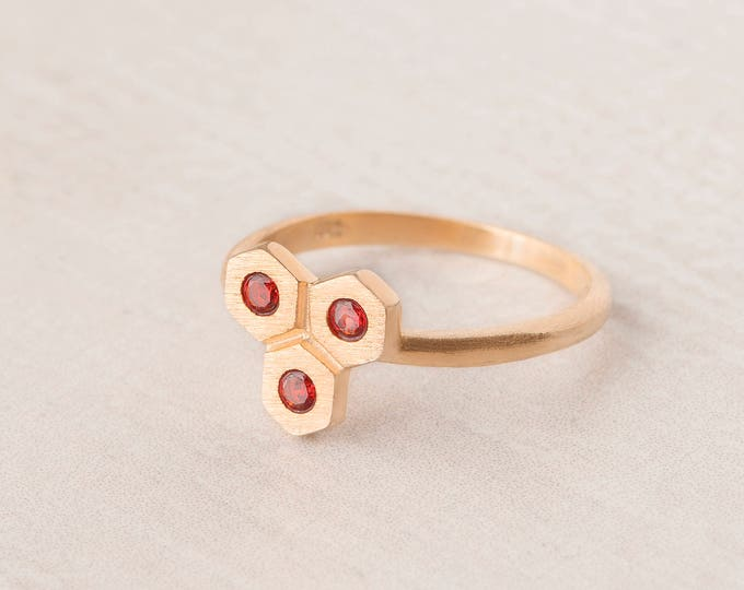 Hexagon Ring - Red Crystal Ring - Honeycomb Ring - Geometric Stone Ring - Sandblasted  Ring - Gold Dainty Ring - Modern Jewelry