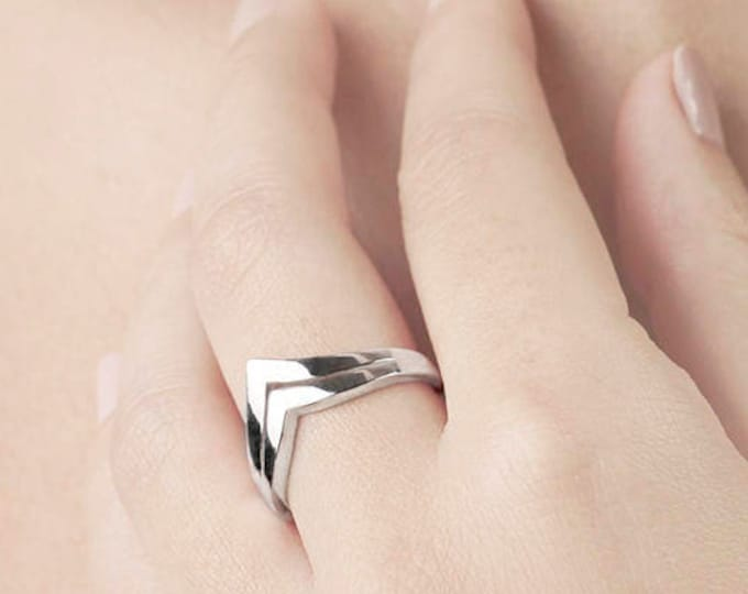 Doble Chevron Ring, Triangle Ring, Double V Ring, Sterling Silver Ring, Silver Chevron Ring, Thick Ring, Point Ring, Two in One Ring