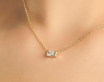 Tiny Diamond Necklace, Baguette Necklace Gold, Diamond Baguette Necklace, Horizontal Pendant, Dainty Necklace Woman, Baguette Cut Necklace